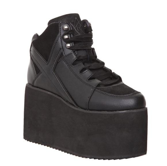 672c6211ac YRU Qozmo Hi Black Platforms. M_5b95d335f63eea18f51fad93